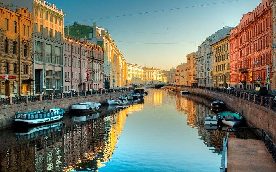 Как оперативно и недорого заказать такси в Санкт-Петербурге